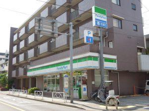 コンビニ・ファミリーマート_砧城山通り店