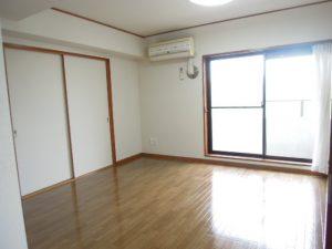 小田急線和泉多摩川駅徒歩2分、狛江市東和泉3丁目のオートロック付2DKキッチン